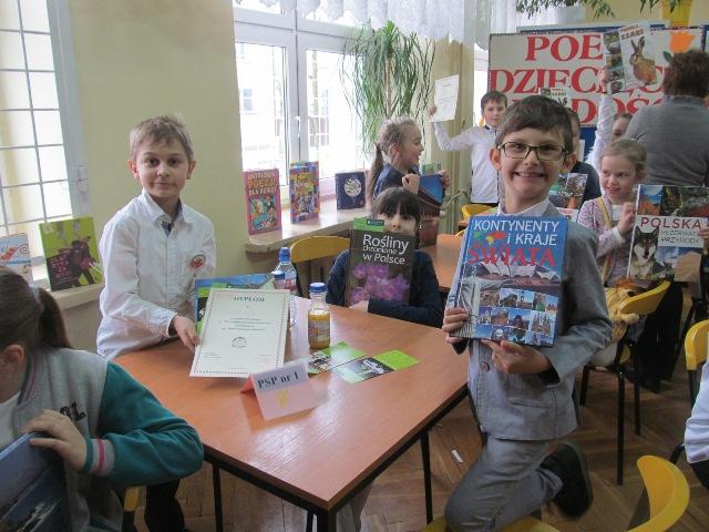 """III miejsce w Międzyszkolnym Konkursie Czytelniczym """"Poeci dziecięcej radości"""""""